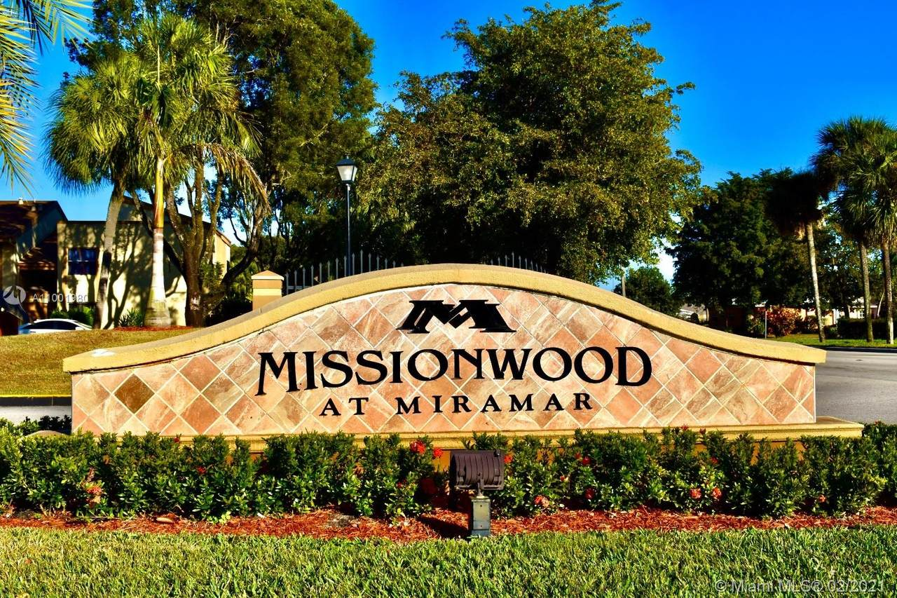 2936 Missionwood Cir - Photo 1