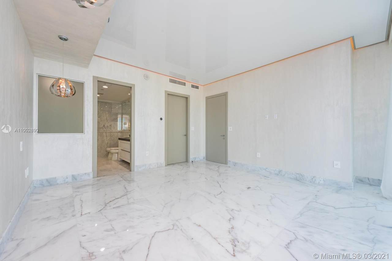 17475 Collins Ave - Photo 1