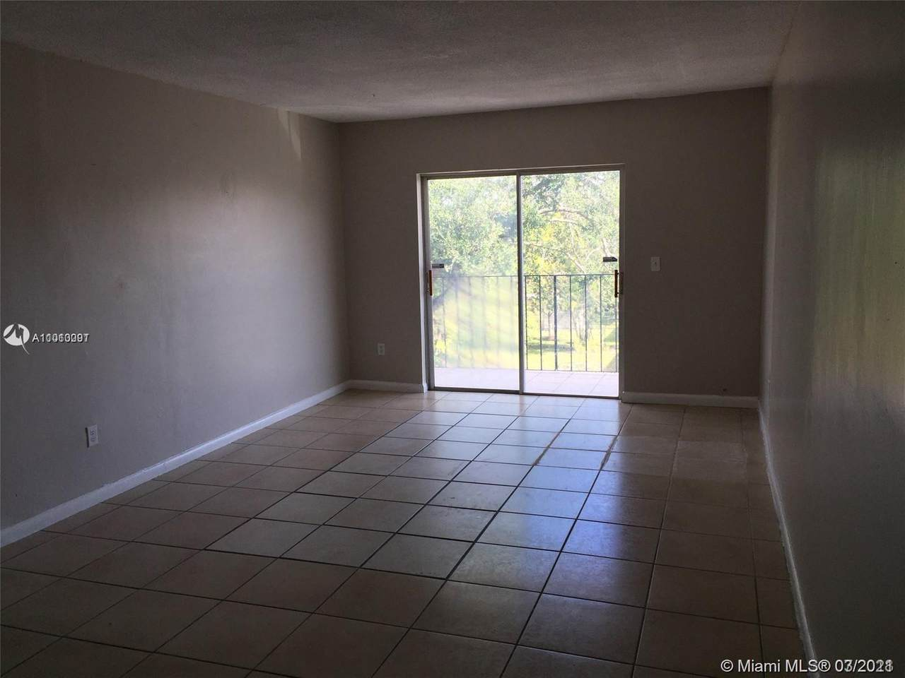 13725 6th Ave - Photo 1