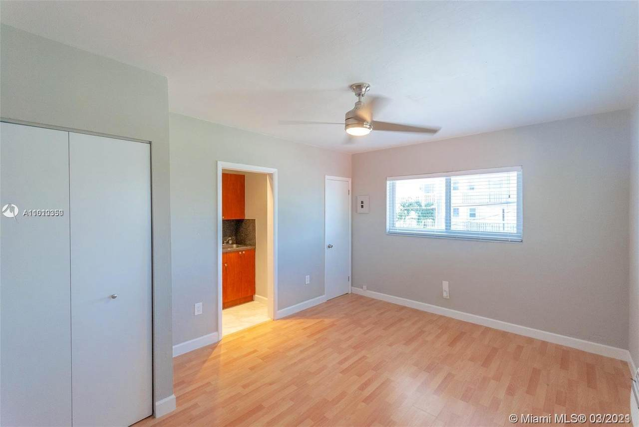 7625 Carlyle Ave - Photo 1