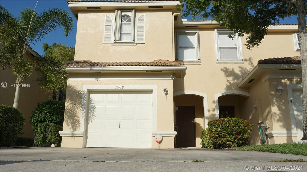 1508 Barrymore Ct - Photo 1