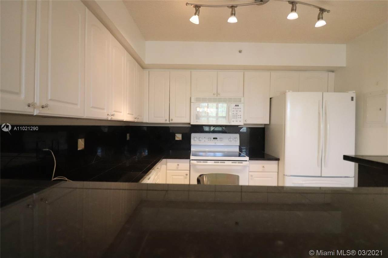 4836 State Road 7 - Photo 1