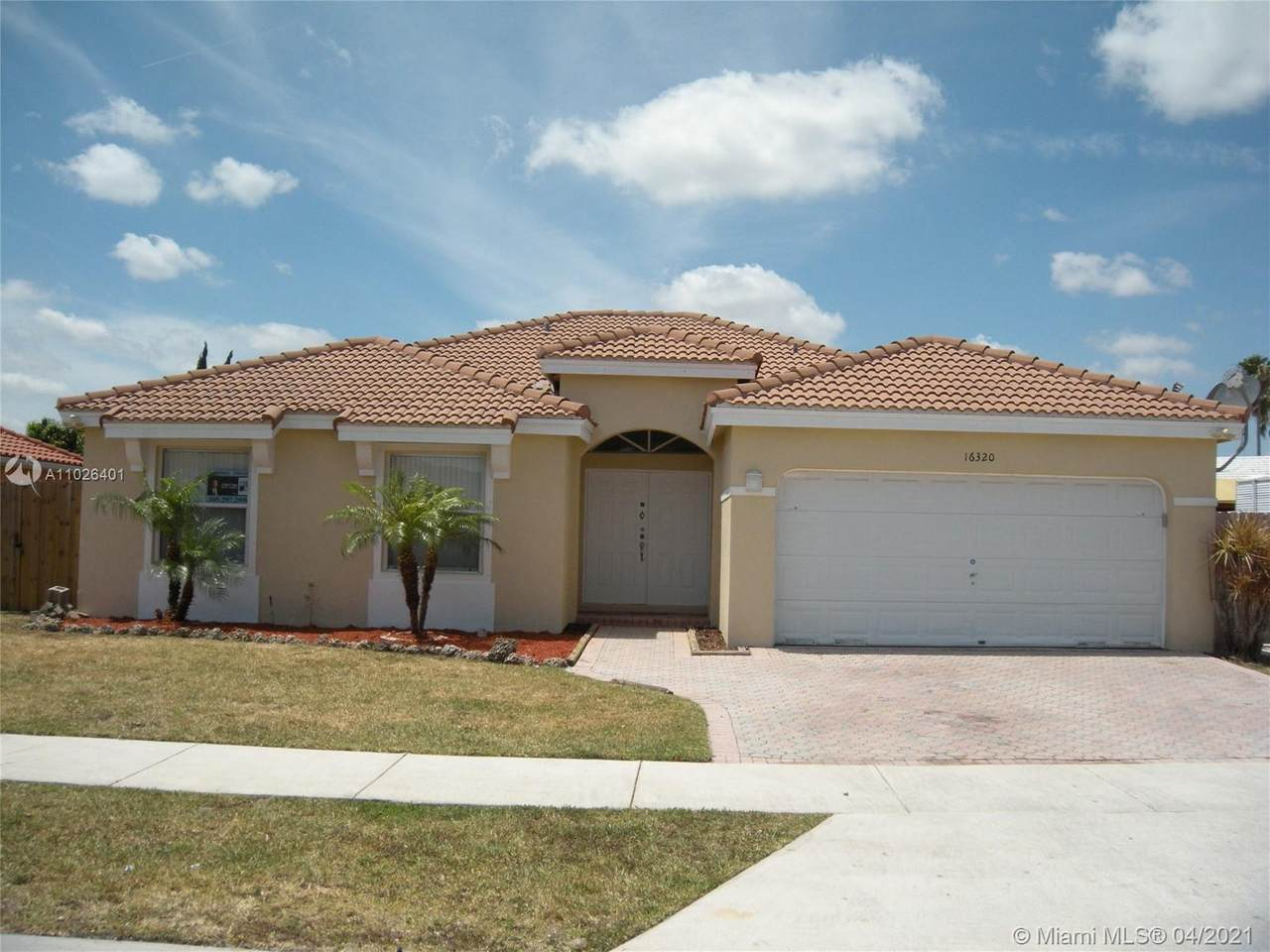 16320 144th Ave - Photo 1