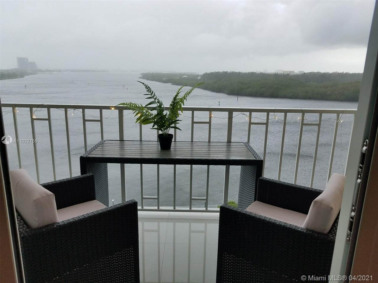 300 Bayview Dr - Photo 1