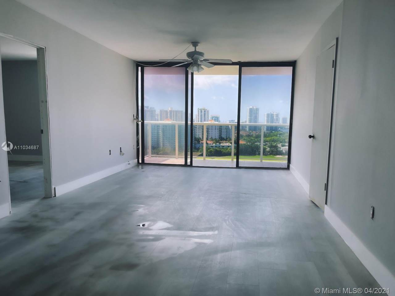 3675 Country Club Dr - Photo 1
