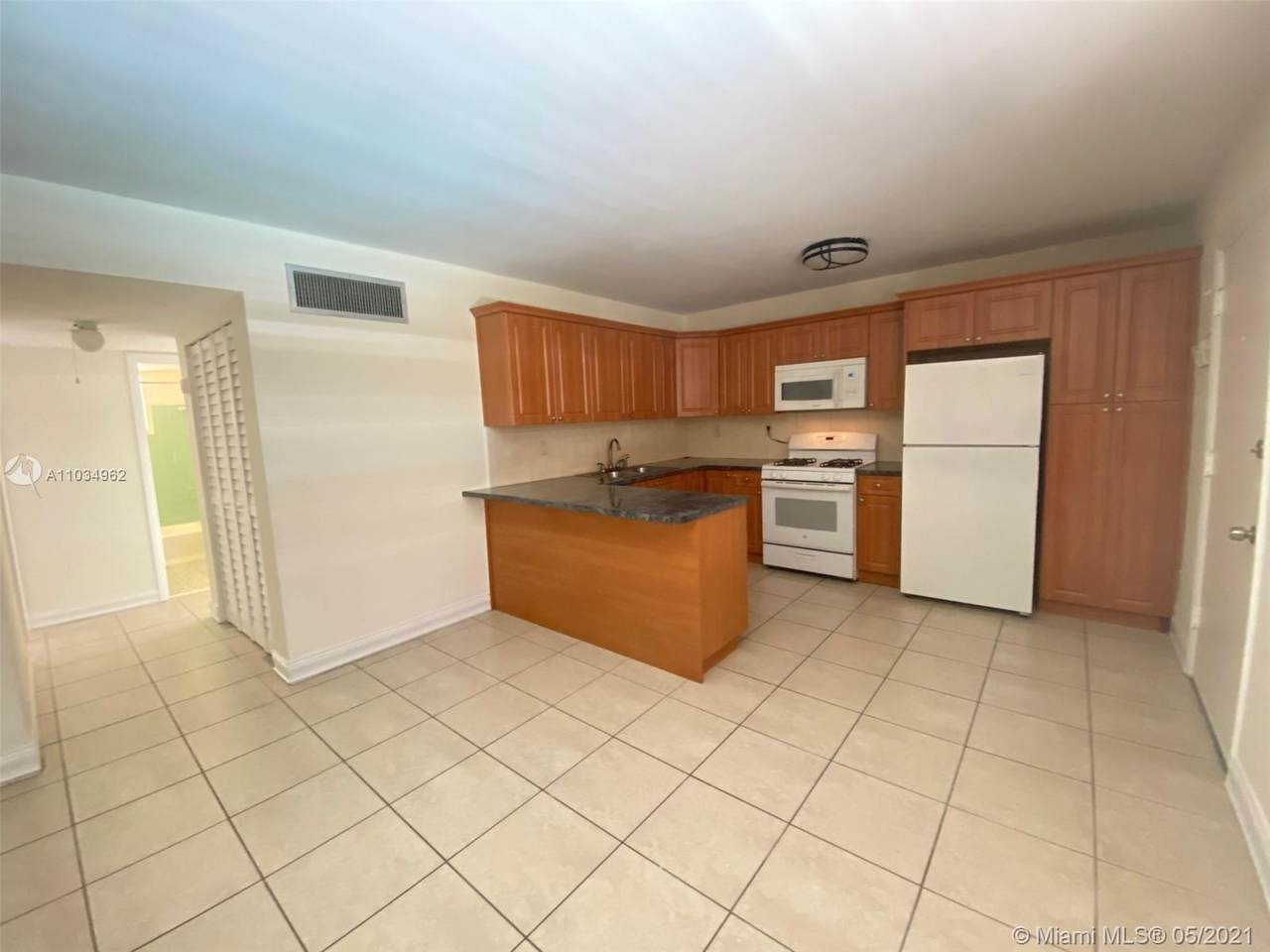465 Royal Poinciana Blvd - Photo 1