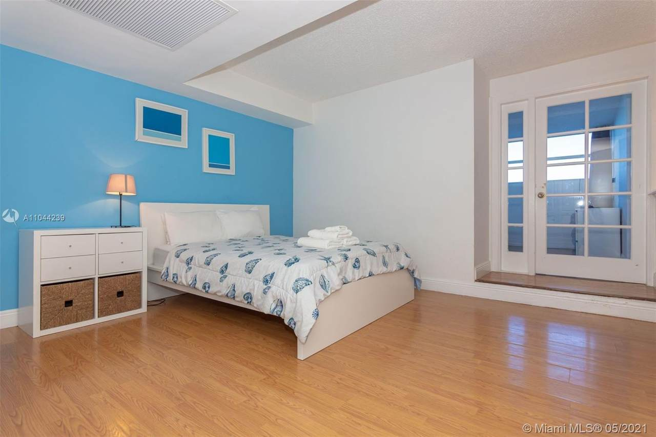 5445 Collins Ave - Photo 1