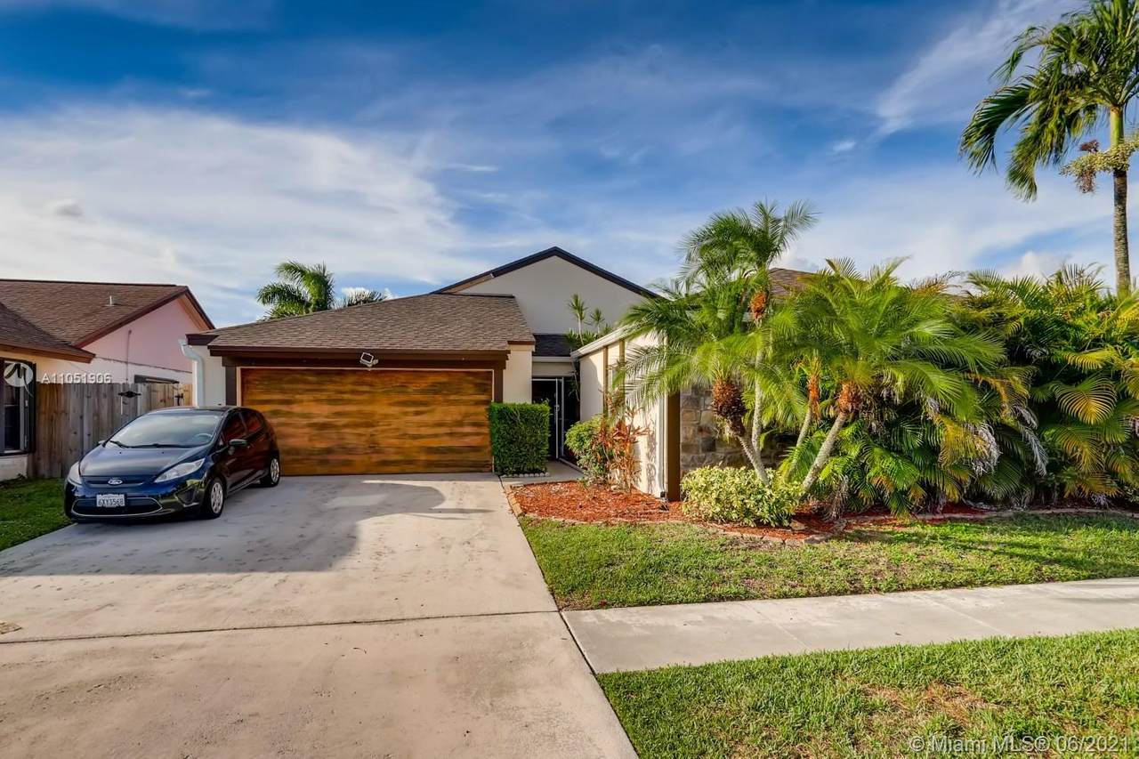 11655 Countryview Ln - Photo 1
