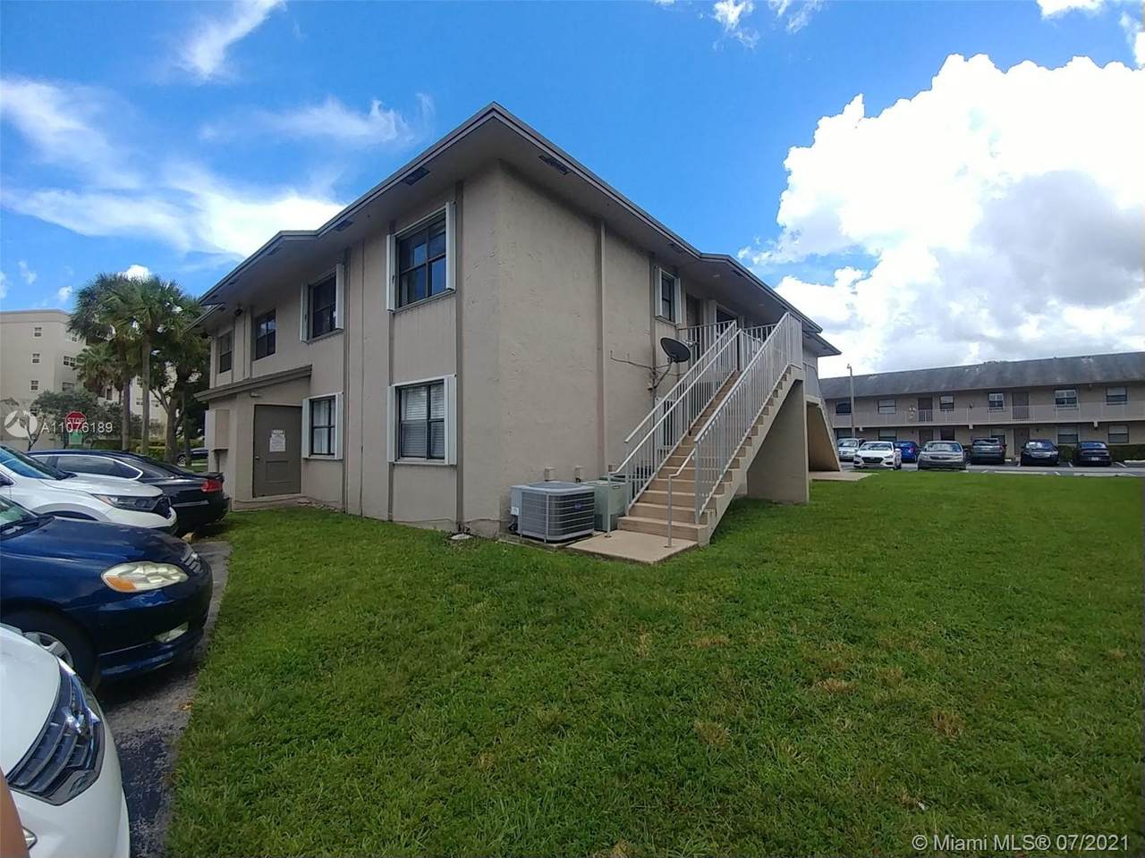 7662 152nd Ave - Photo 1