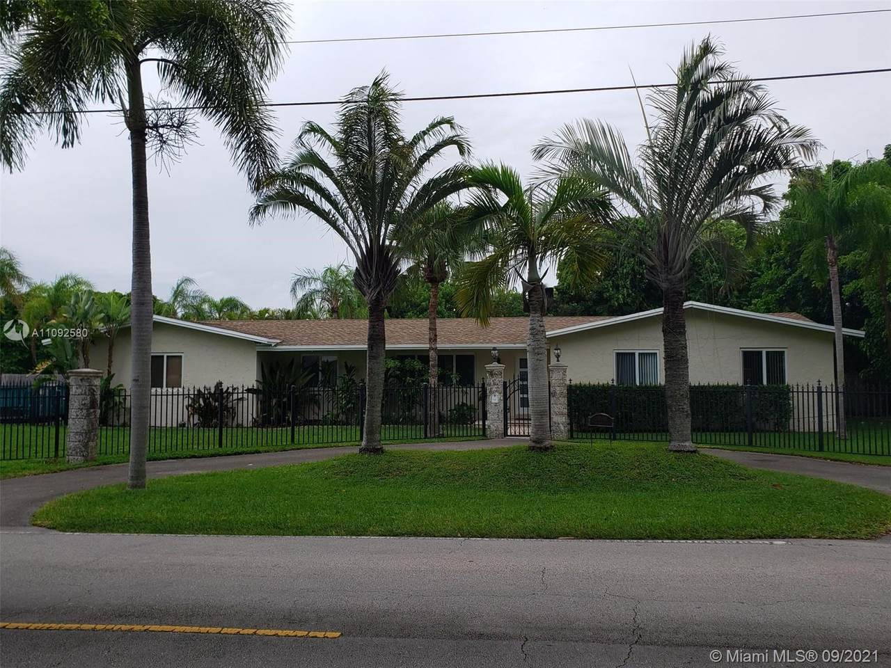14190 97th Ave - Photo 1
