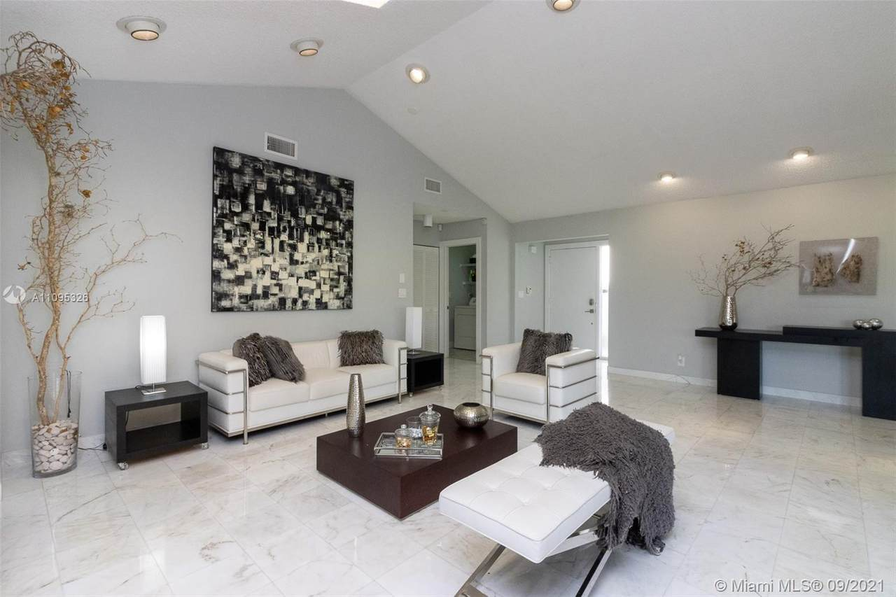 5545 Lakeview Mews Ter - Photo 1