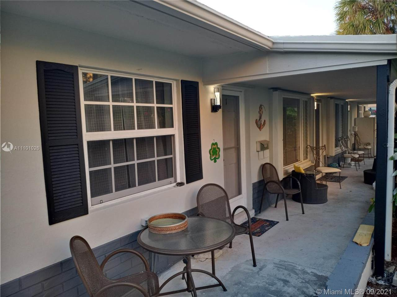 1923 33rd Ave - Photo 1