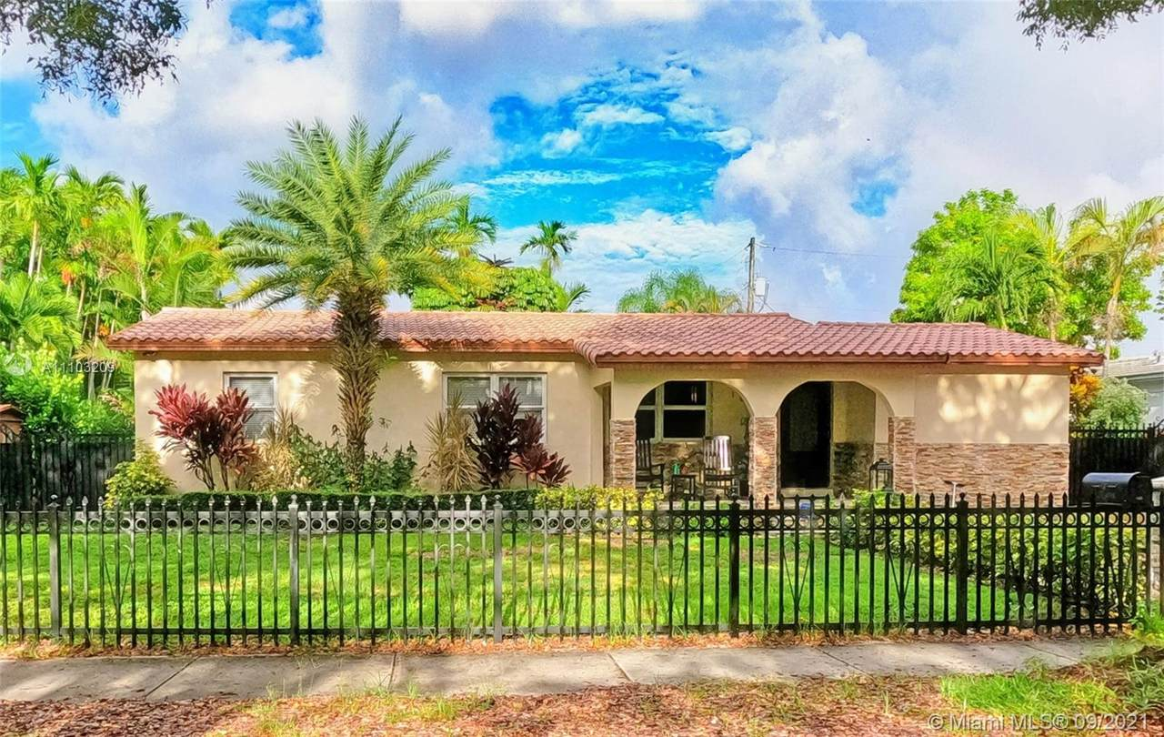 1830 Coral Gate Dr - Photo 1