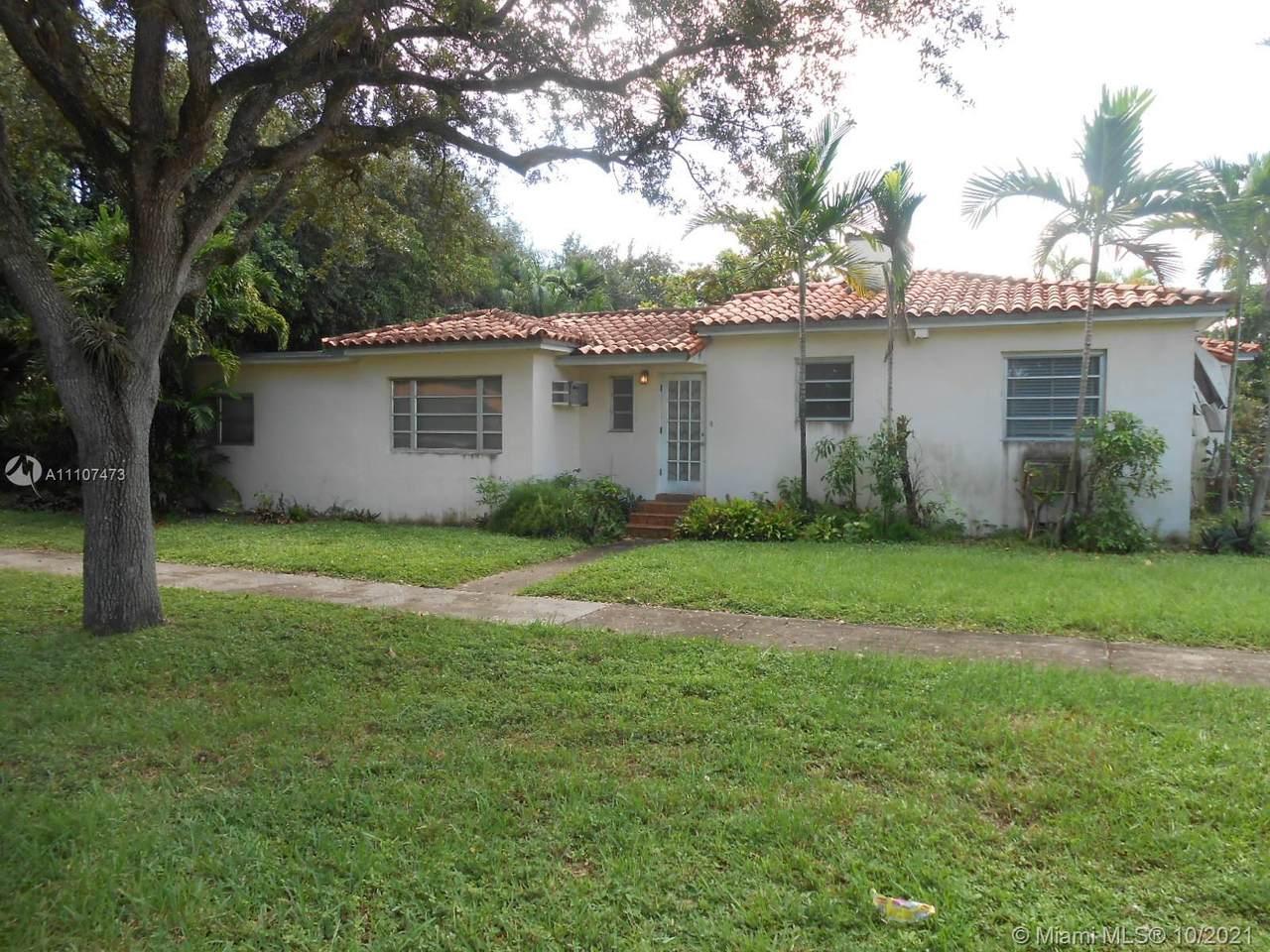 9833 Miami Ave - Photo 1