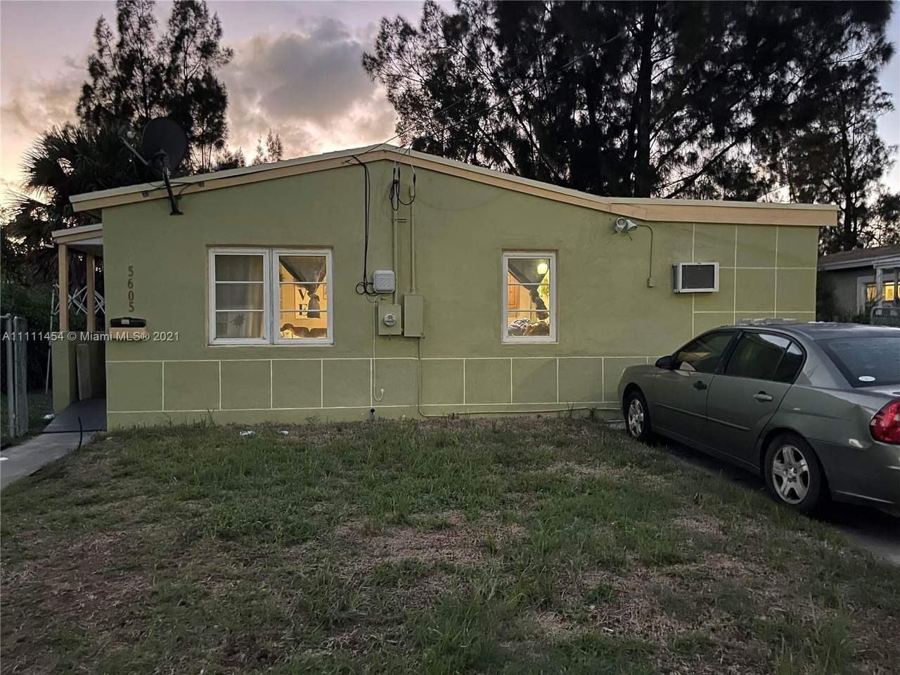 5605 Pinewood Ave - Photo 1