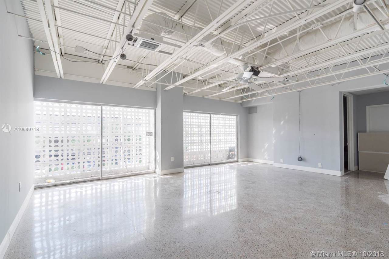 222 Commercial Blvd - Photo 1