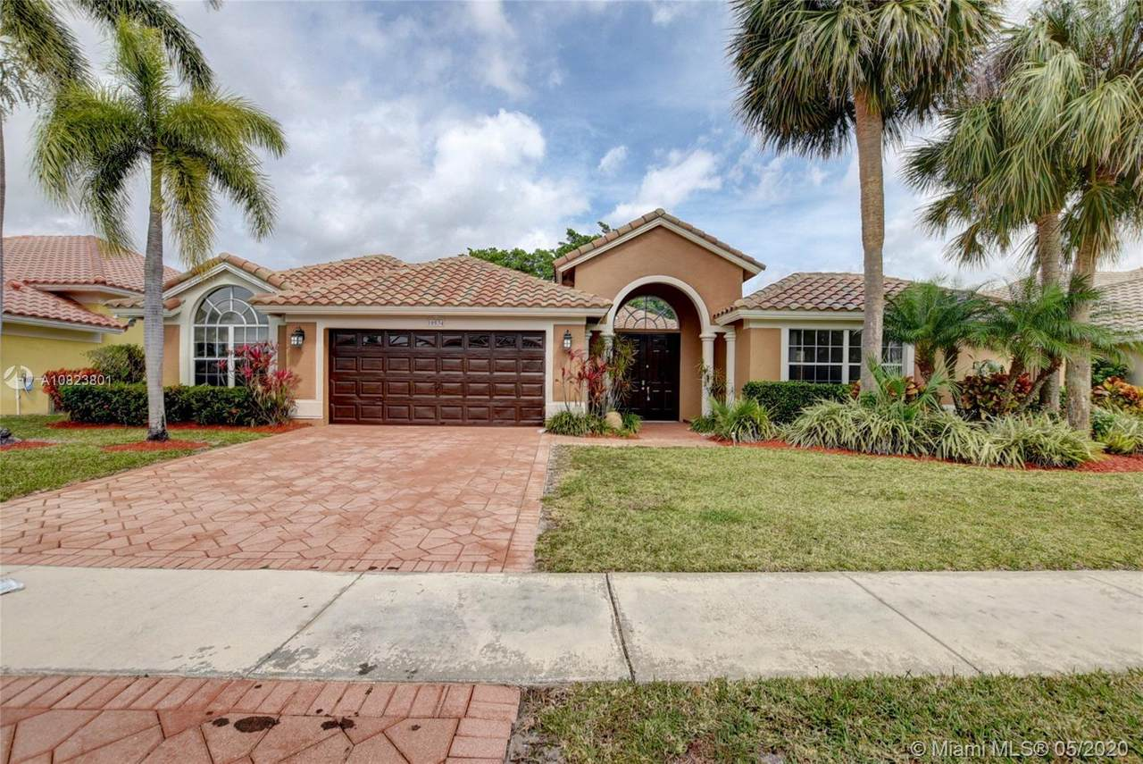 10534 Maple Chase Dr - Photo 1