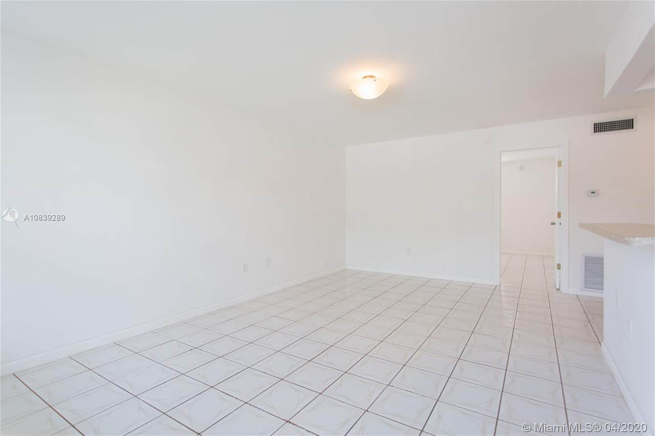 1060 78th St Rd - Photo 1