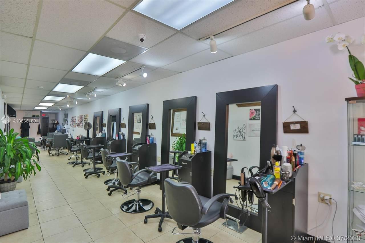Beauty Salon By Fiu - Photo 1