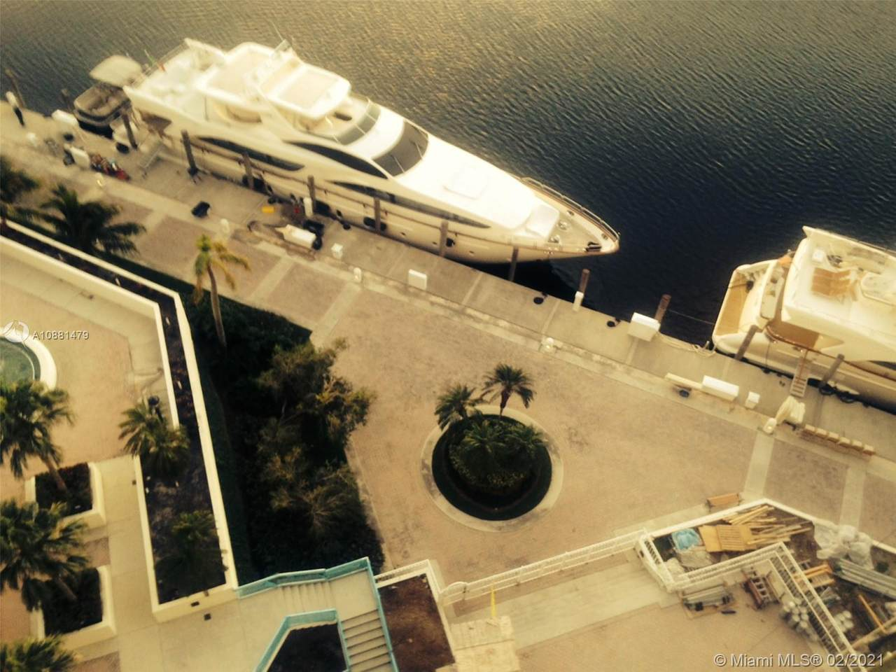 1000 Island Blvd - Photo 1
