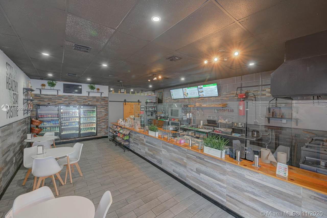 Healthy Restaurant On Sunset - Photo 1