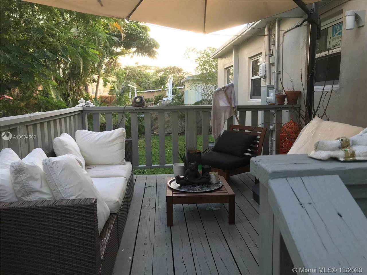825 26th Ave - Photo 1
