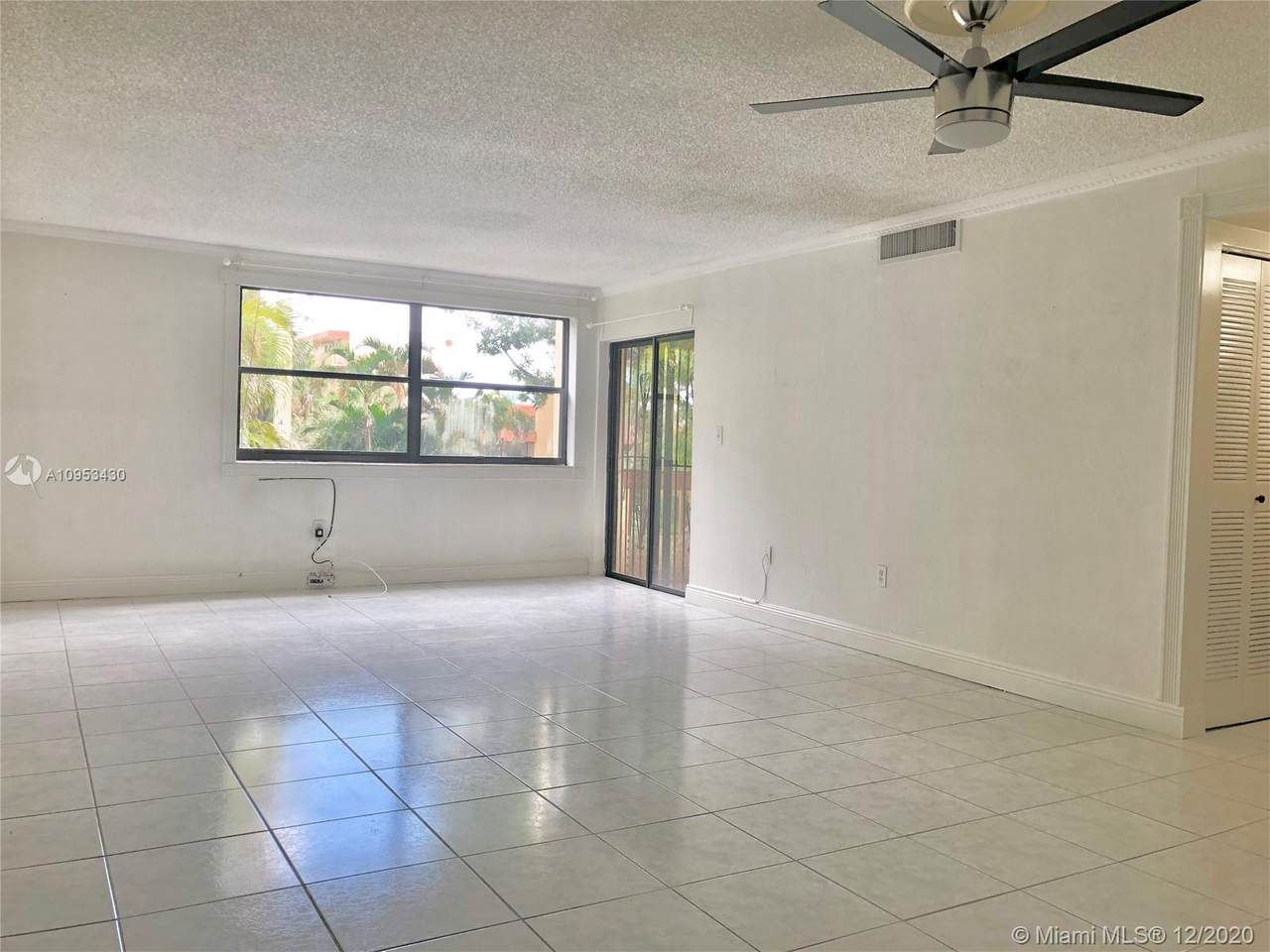 8877 Fontainebleau Blvd - Photo 1