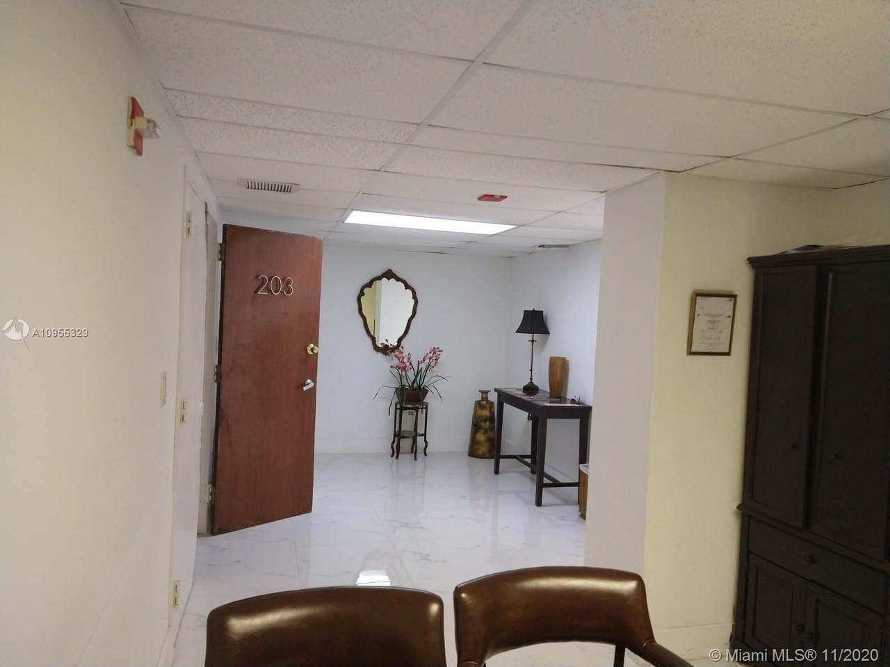 13499 Biscayne Blvd - Photo 1