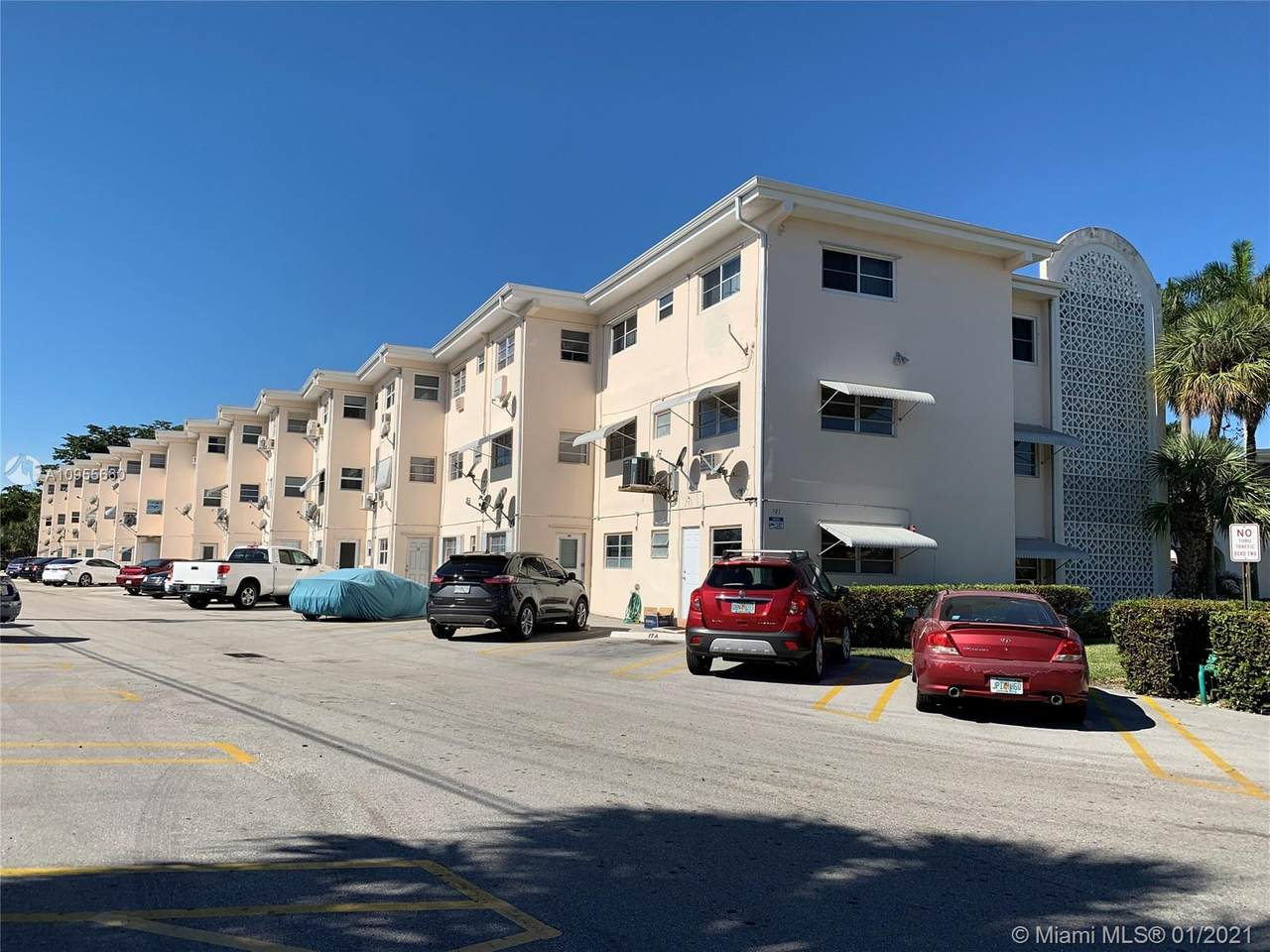 141 10th Ave - Photo 1