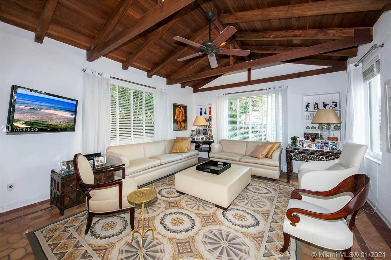 4511 Royal Palm Ave - Photo 1