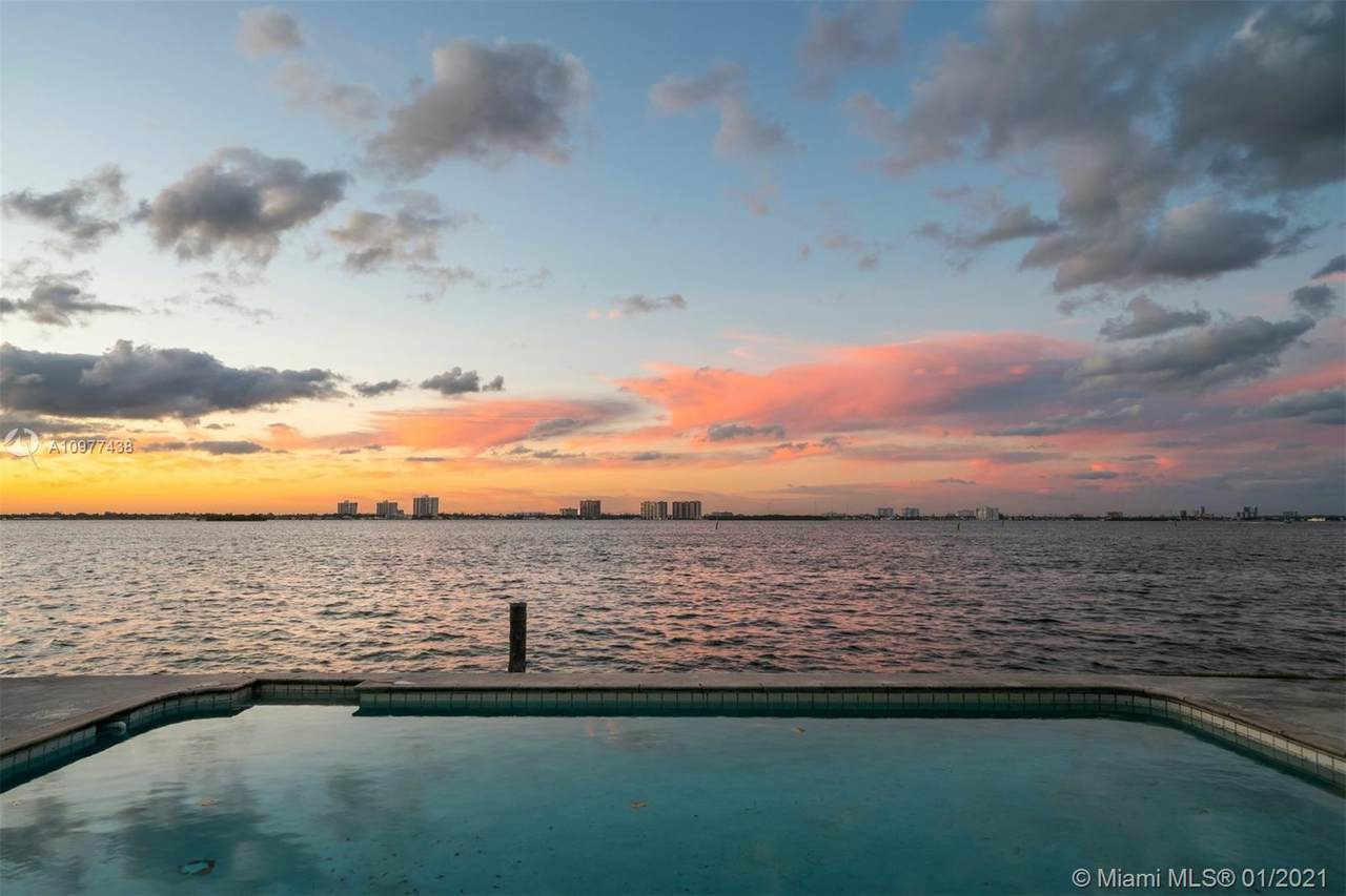 945 Shore Dr - Photo 1