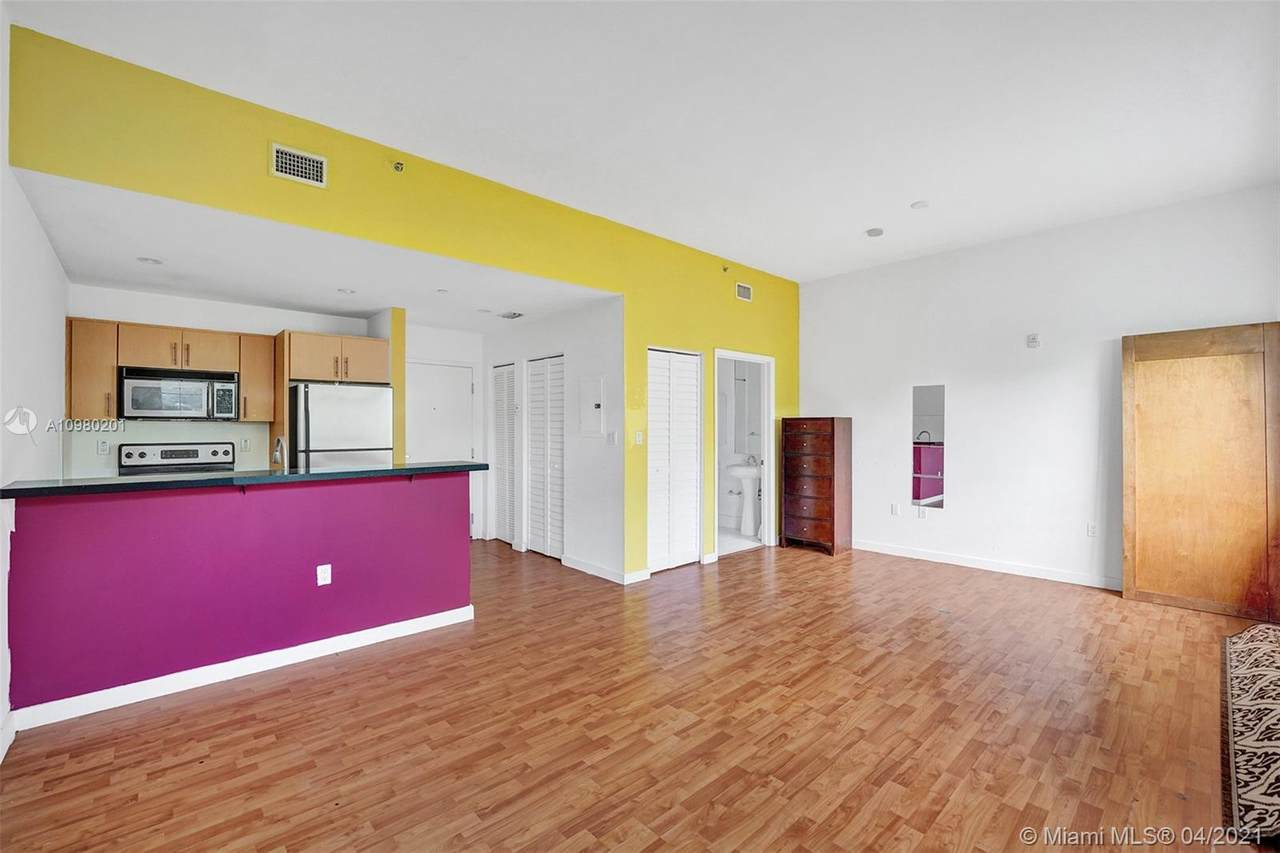 2129 Washington Ave - Photo 1