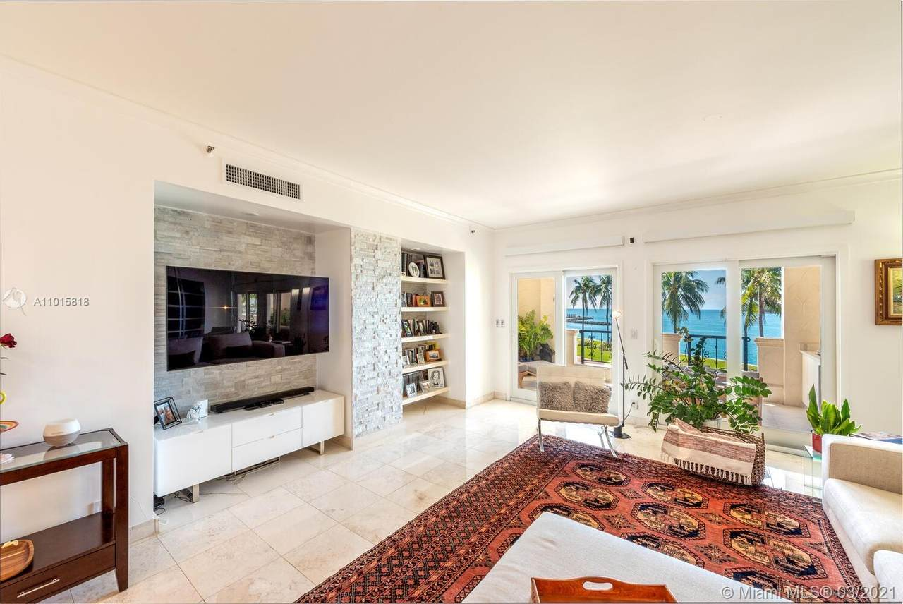2322 Fisher Island Dr - Photo 1