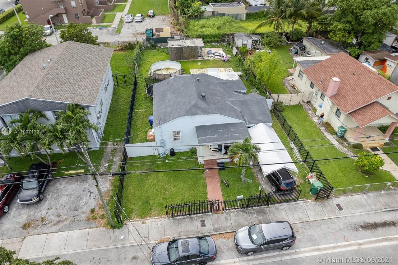 2422 19th Ave - Photo 1