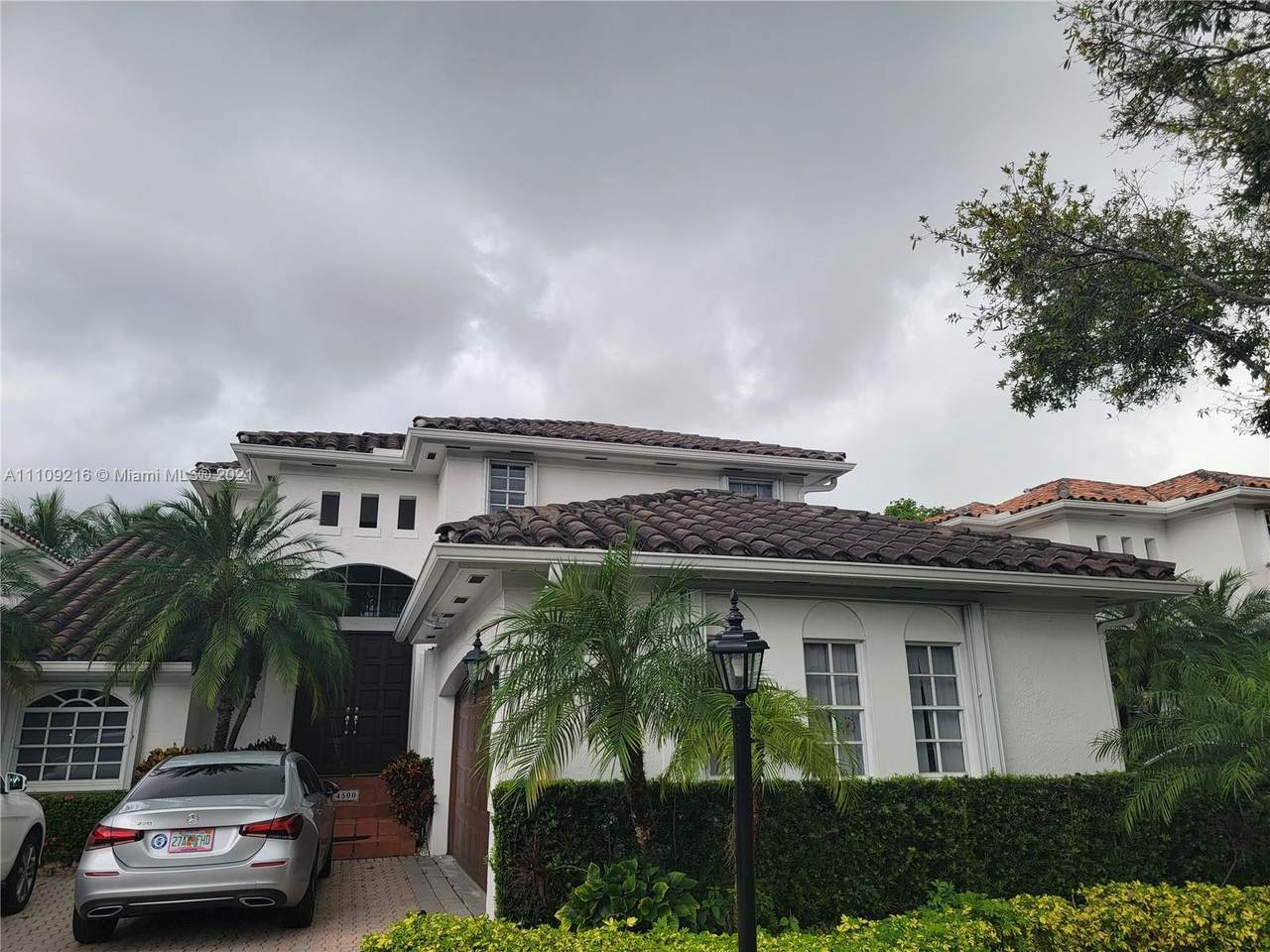 4500 93rd Doral Ct - Photo 1