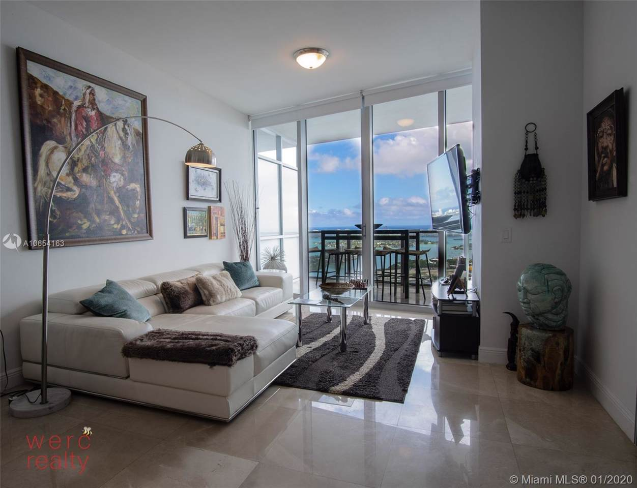 1100 Biscayne - Photo 1