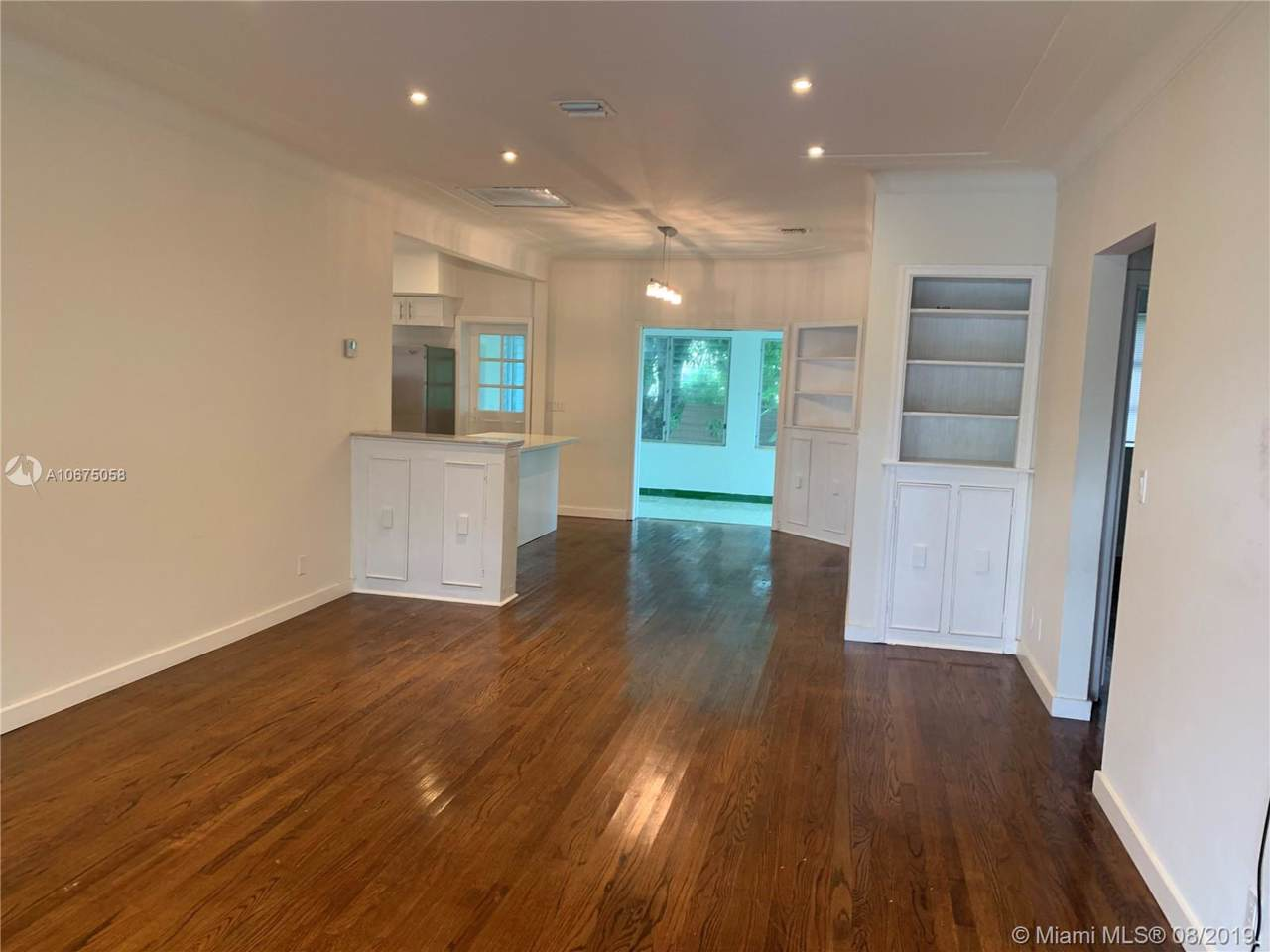 9381 Carlyle Ave - Photo 1