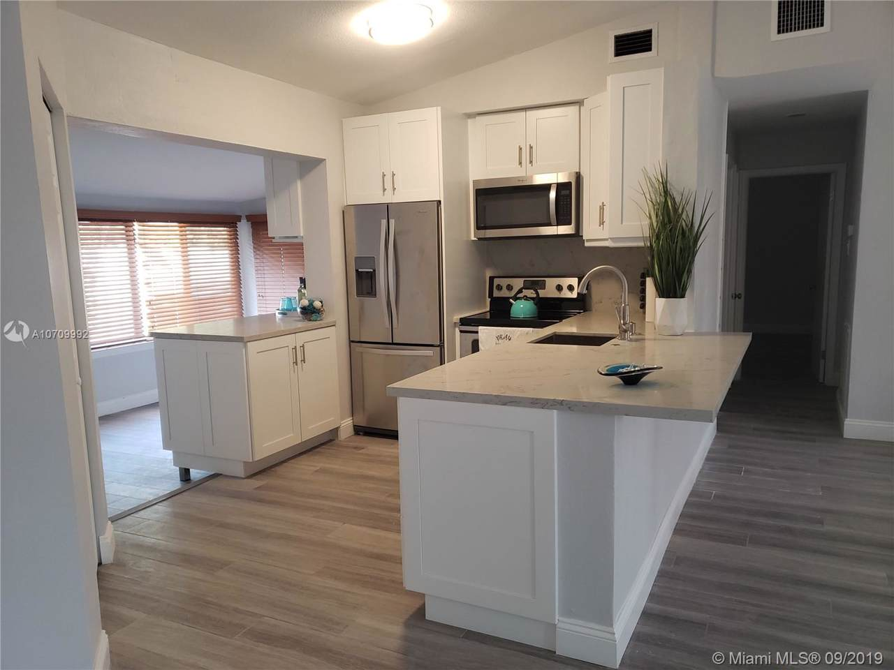 2824 6th Ave - Photo 1