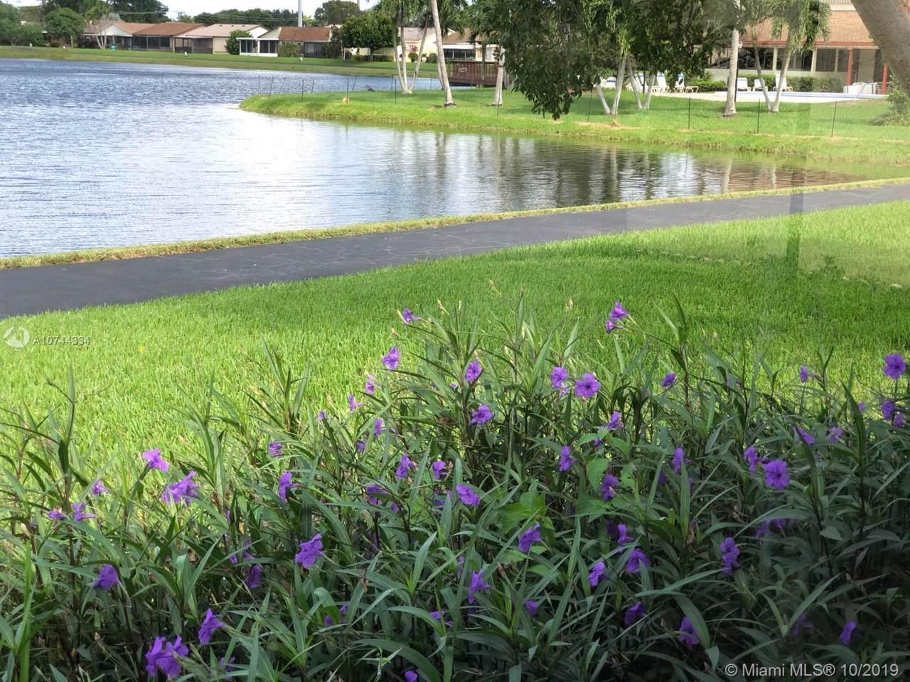 5363 Mirror Lakes Blvd - Photo 1