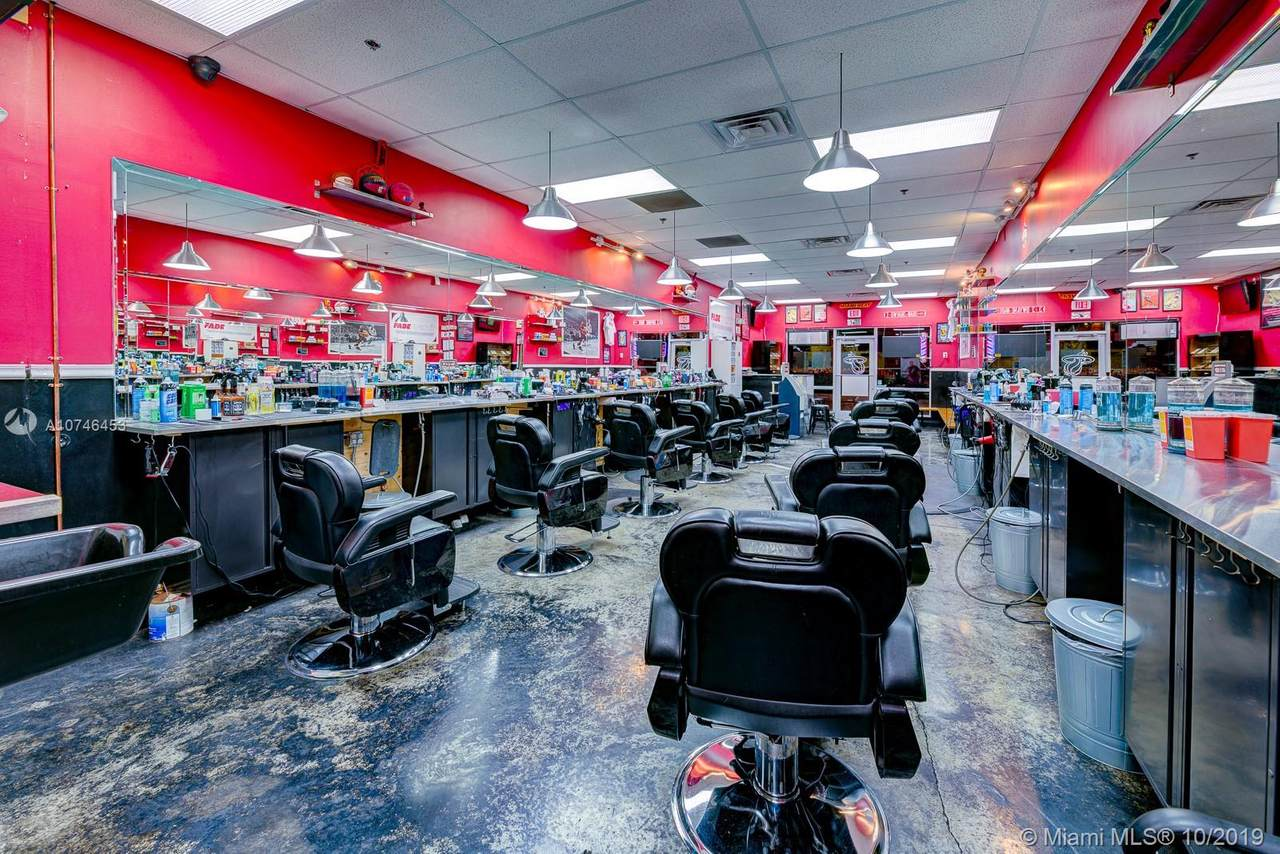 Barbershop In West Kendall - Photo 1