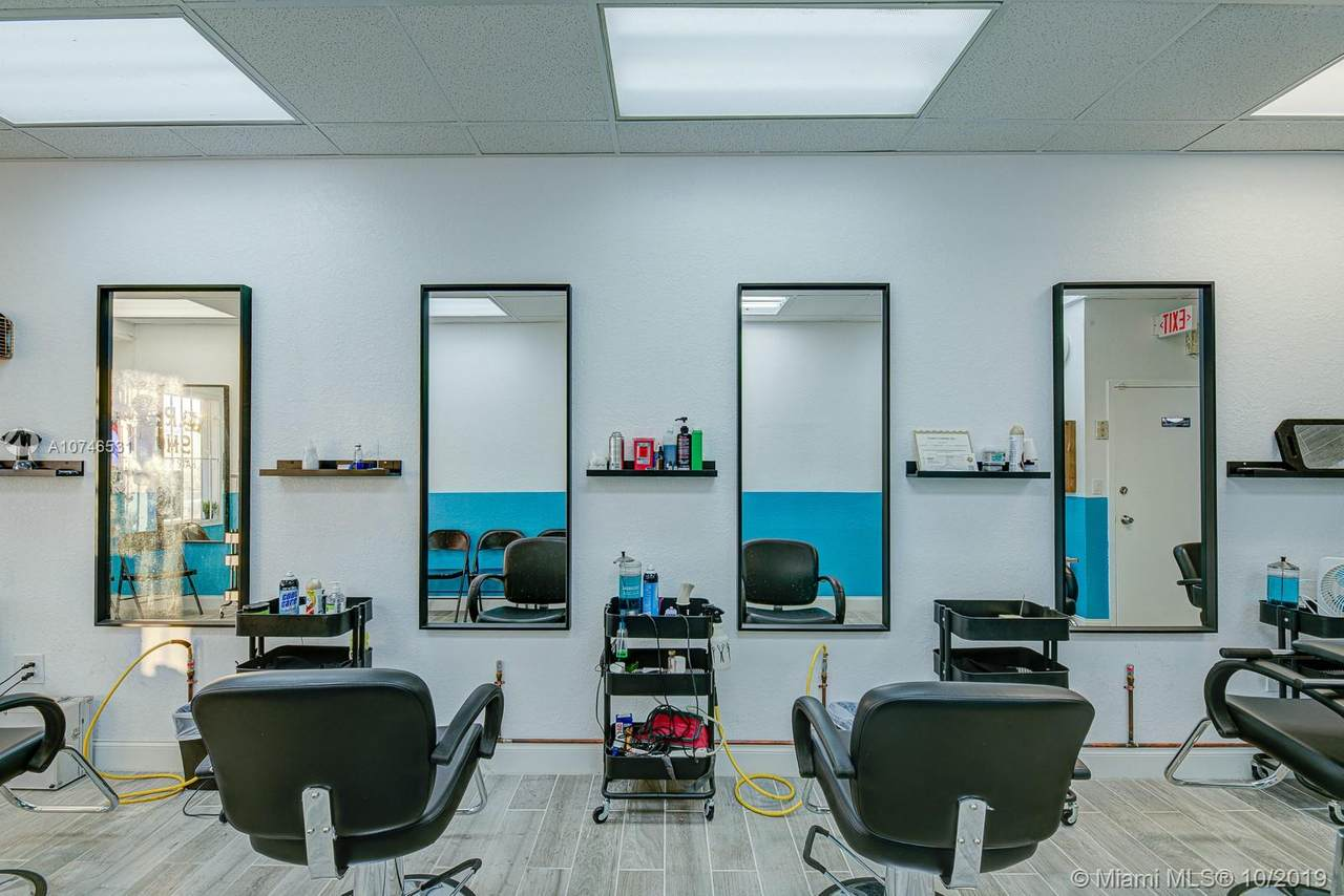 Barbershop On Us-1 - Photo 1