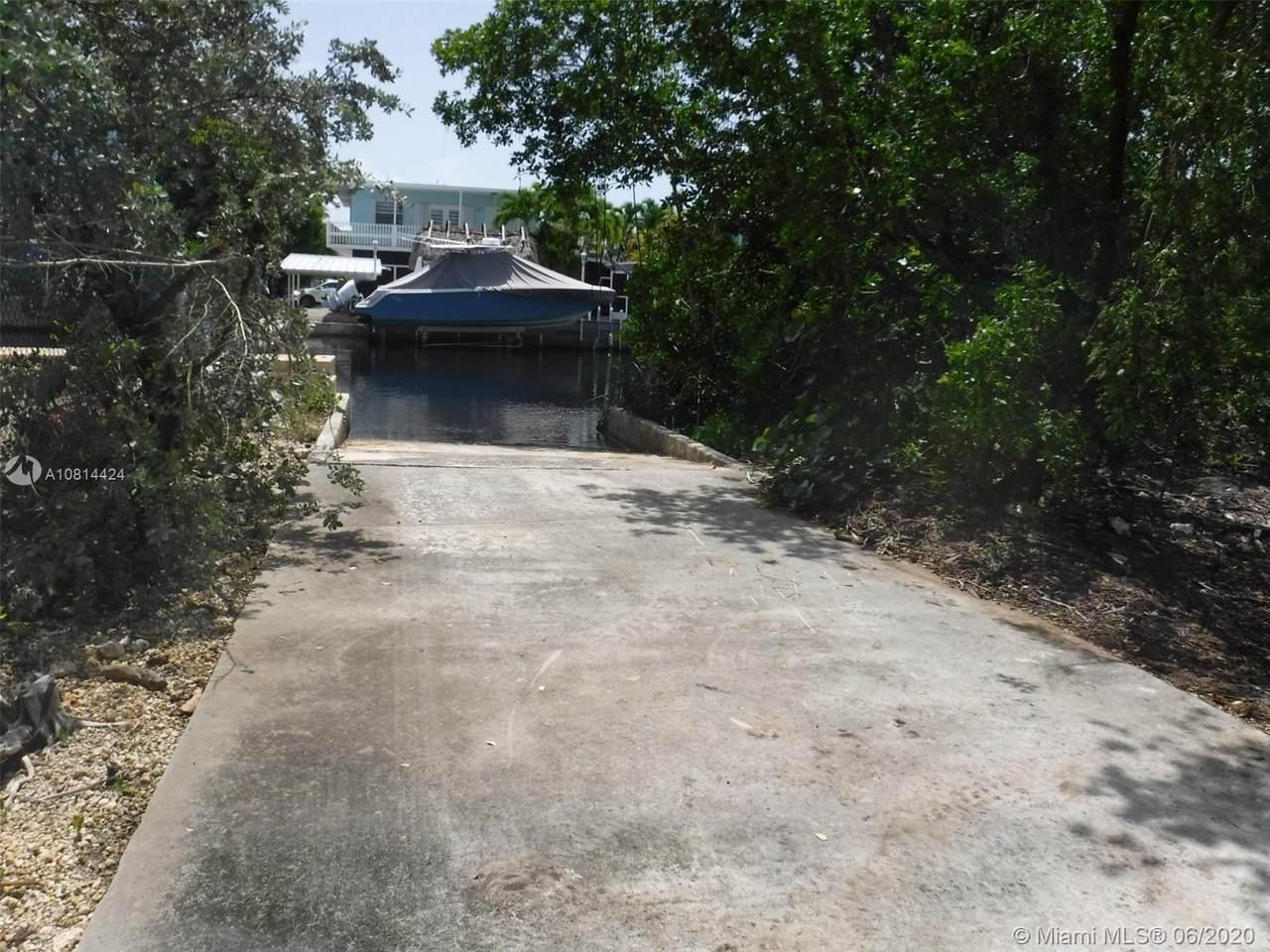 1517 Shaw Drive - Photo 1