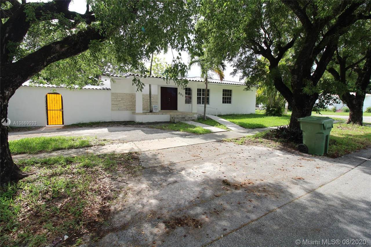 251 40th Ave - Photo 1