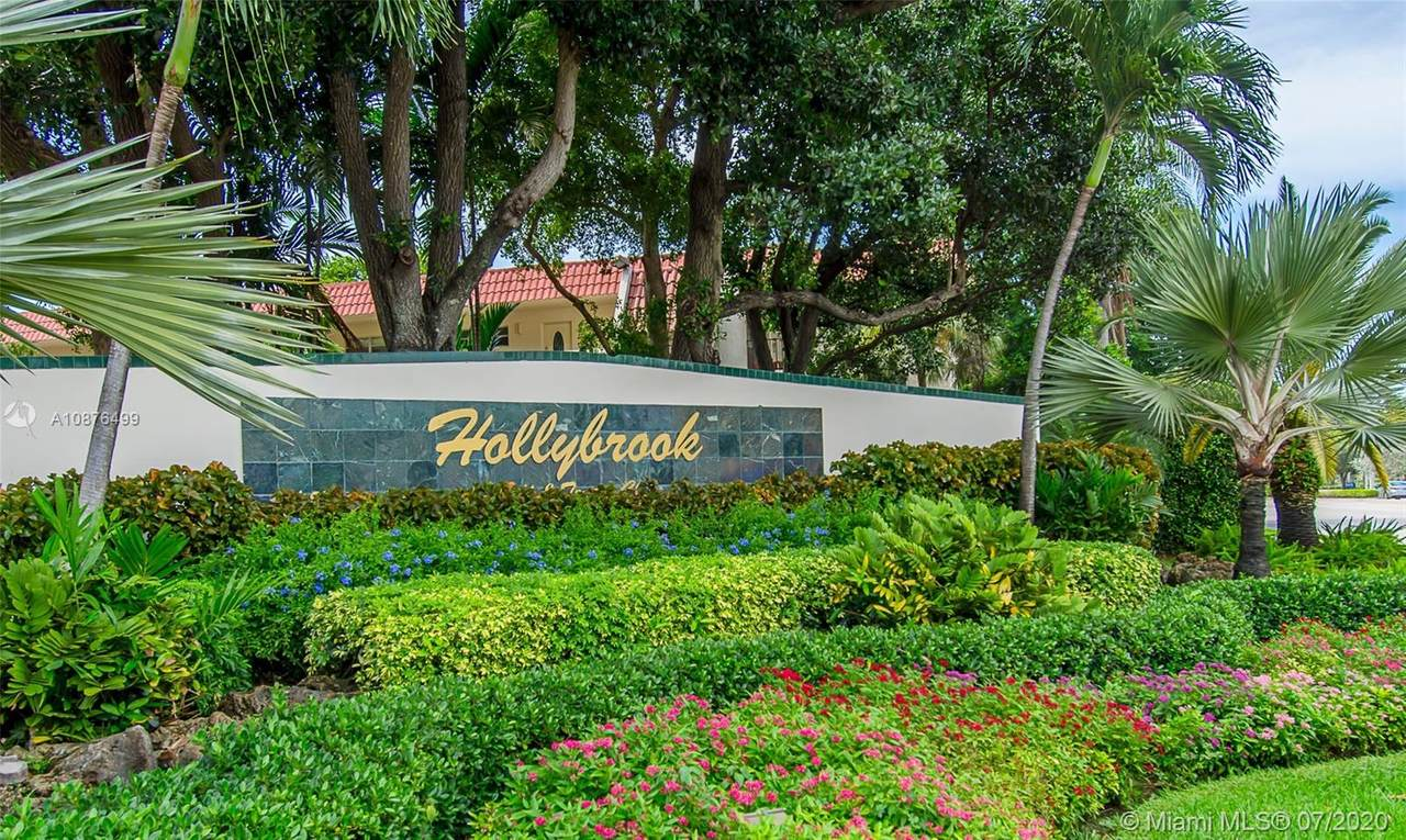 8960 Hollybrook Blvd - Photo 1