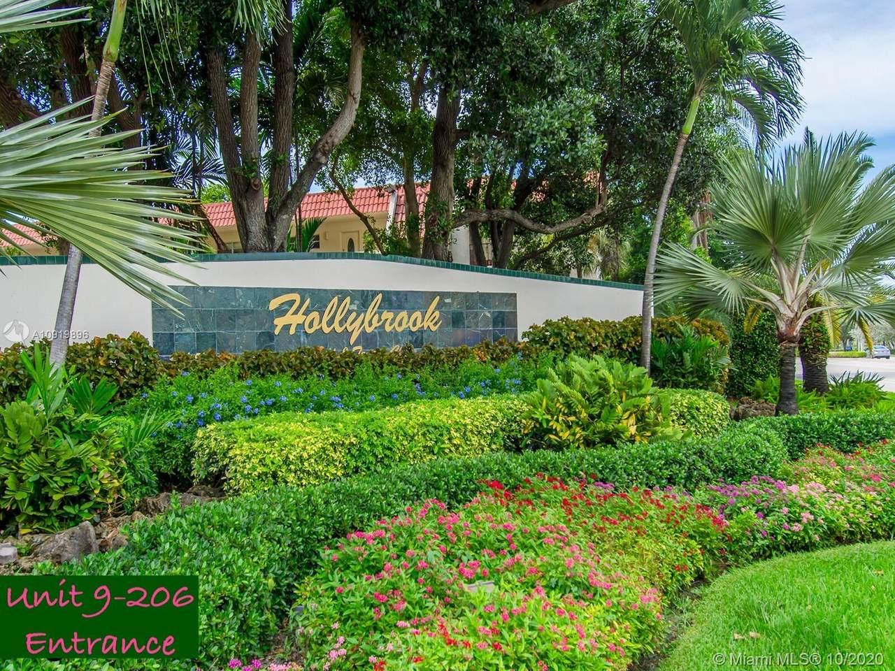 9800 Hollybrook Lake Dr - Photo 1
