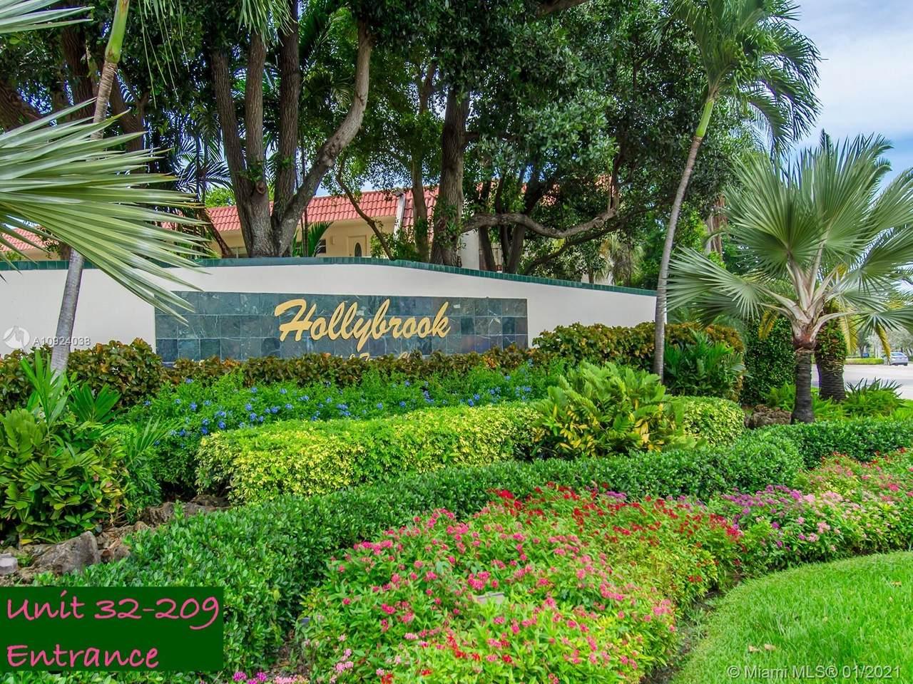 8980 Hollybrook Blvd - Photo 1