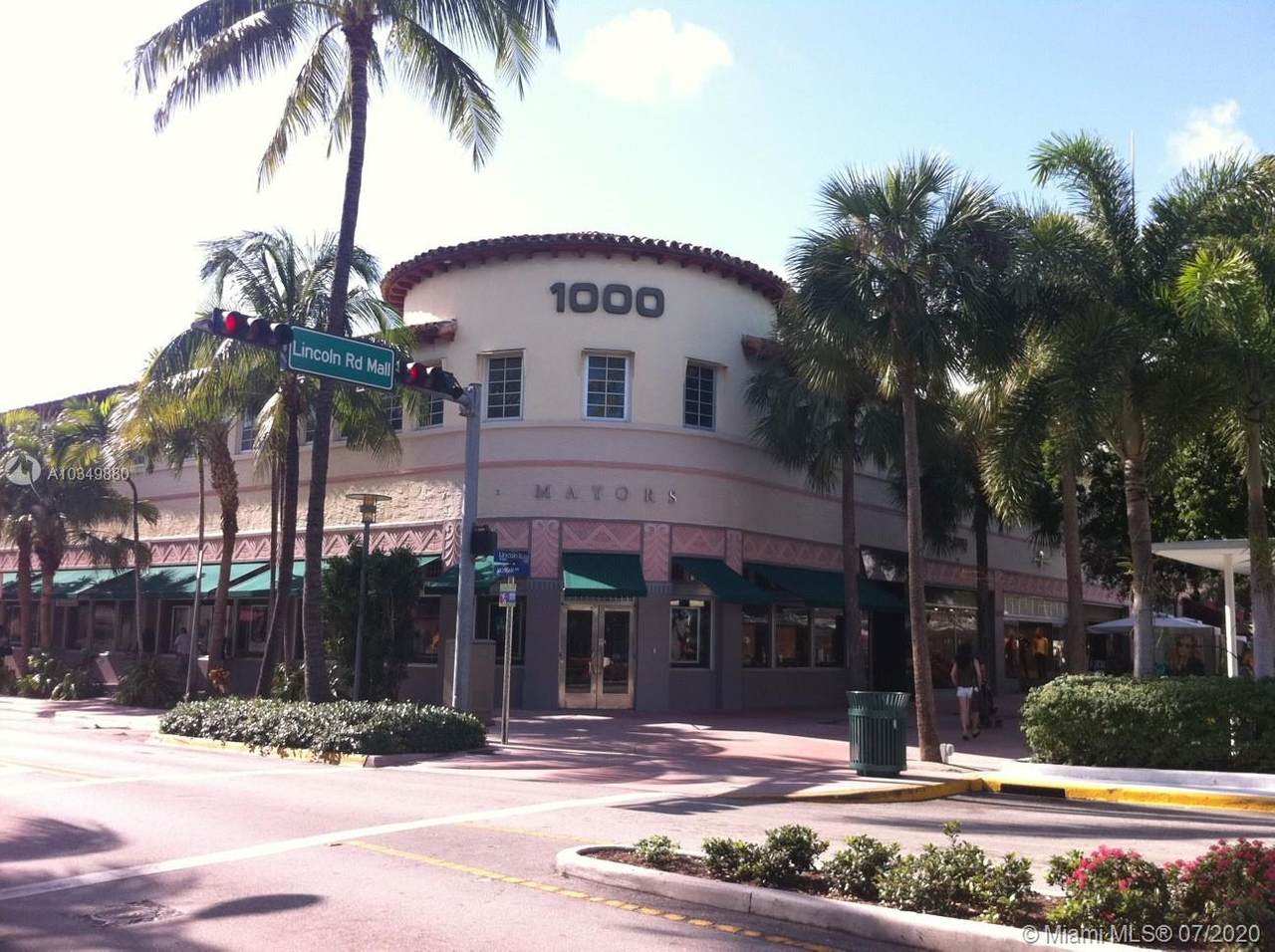 1000 Lincoln Rd - Photo 1