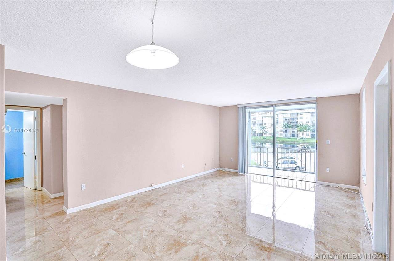 2903 Point East Dr - Photo 1