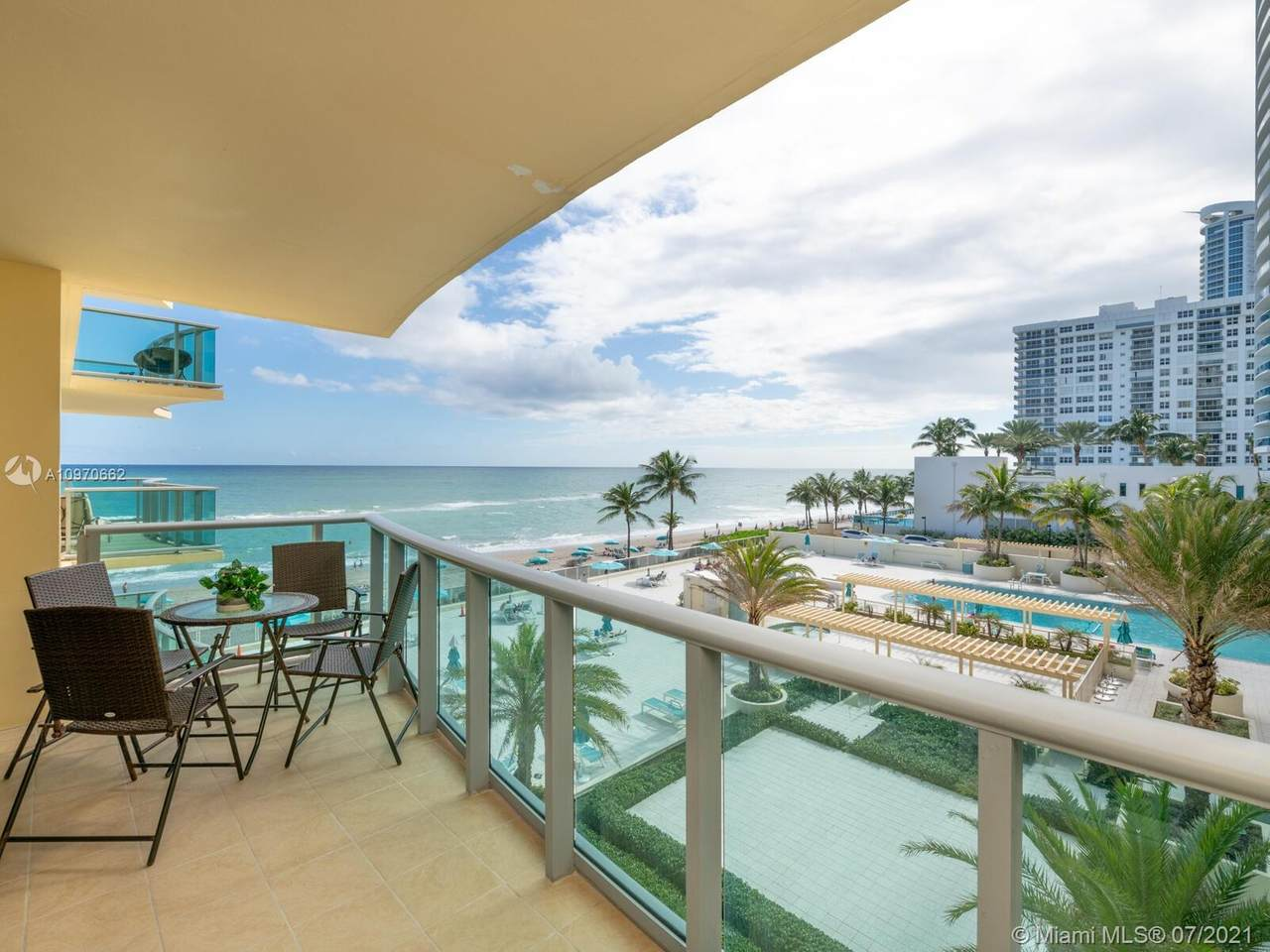 2501 Ocean Dr (August 4 Available) - Photo 1