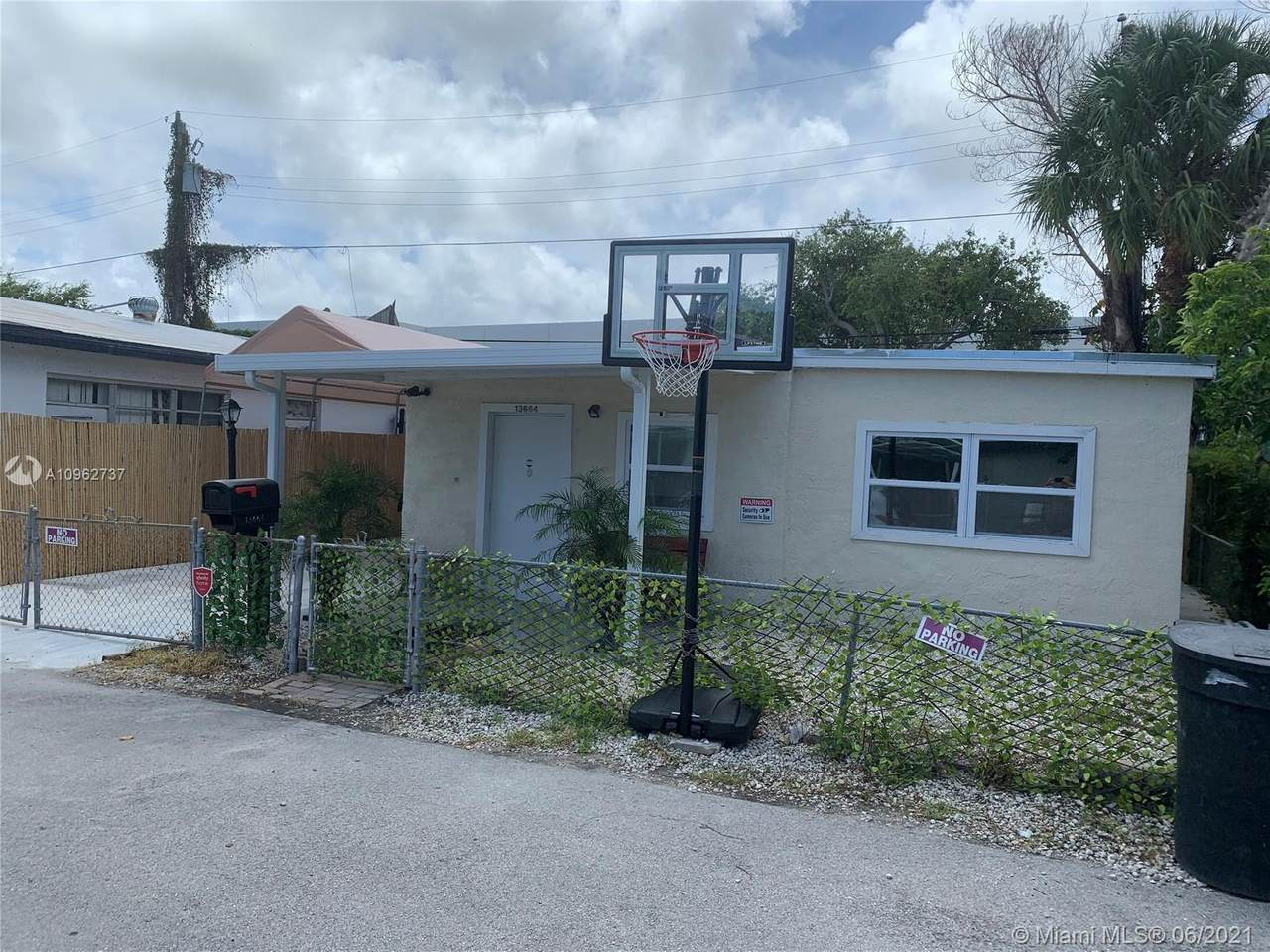 13664 20th Ave - Photo 1